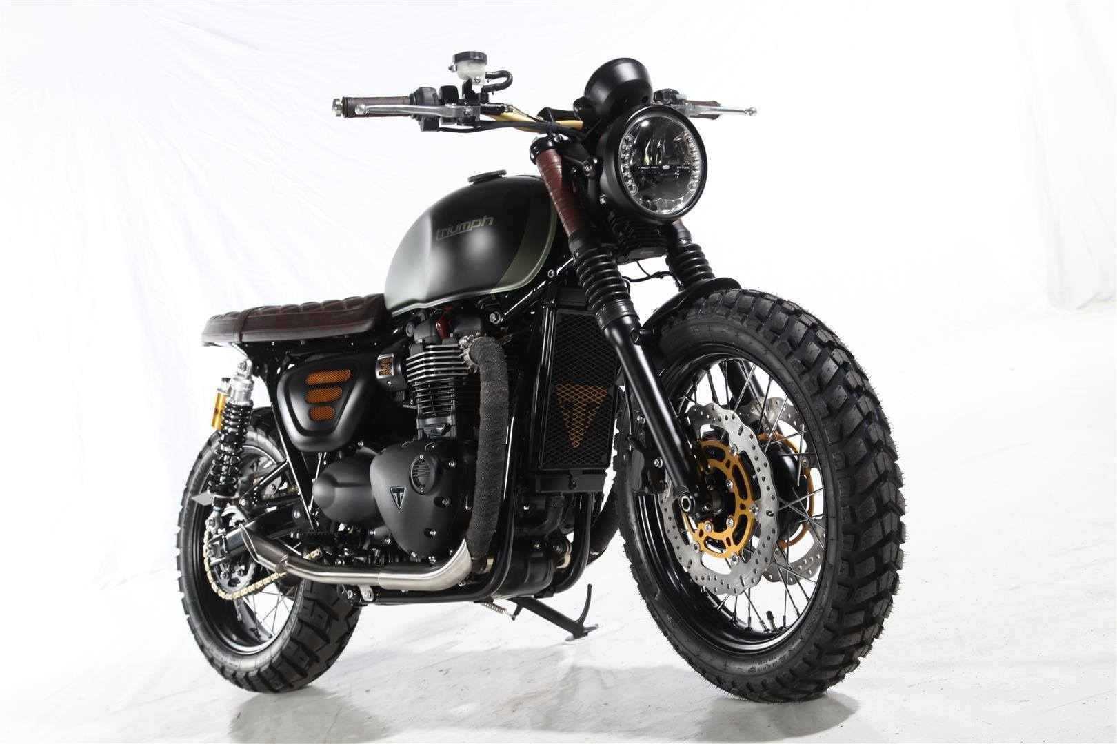 Street twin Scrambler look by Roke